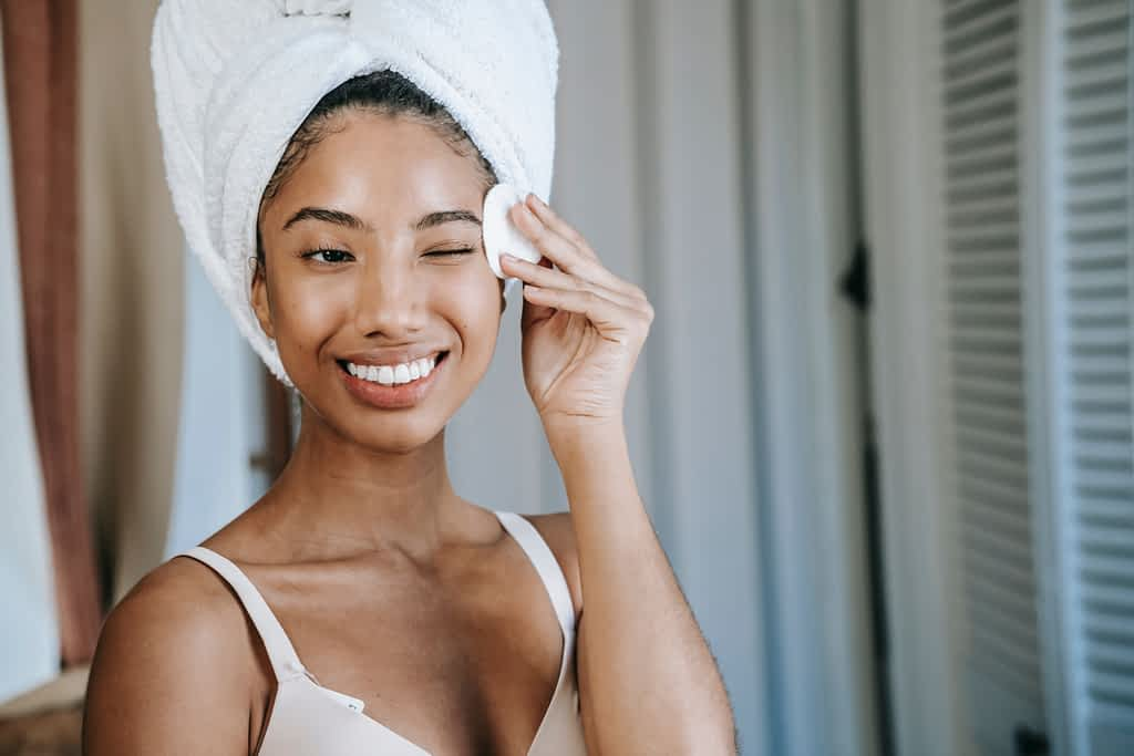 The best morning routine for success and happiness includes a skincare routine
