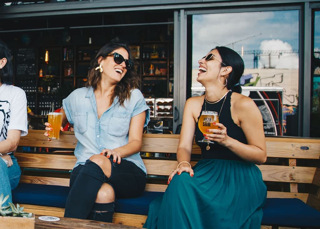 Ways to reduce stress at work by talking to a friend
